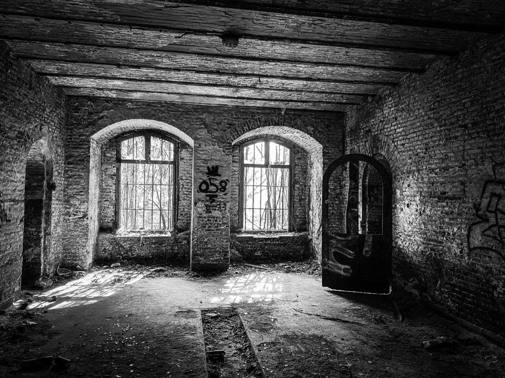 Fort de la Chartreuse in black and white